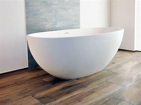 Freistehende Badewanne Die Moderne Badeinrichtungminimalistische Freistehende Badewanne by Freistehende Badewanne Piemont Medio Mineralguss Oval