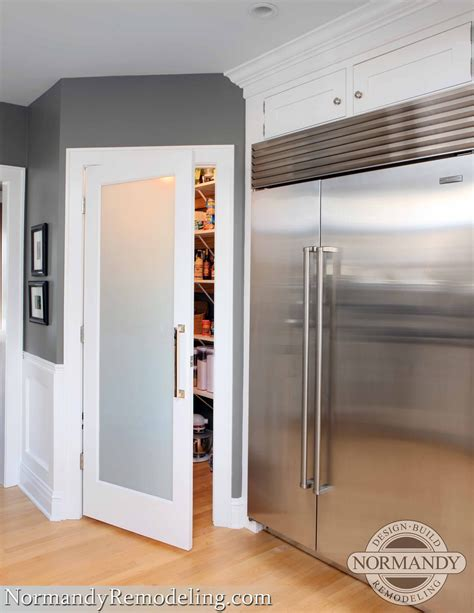 4 Door Kitchen Pantry White A Frosted Pantry Door Adds A Stylish Element To This Gray
