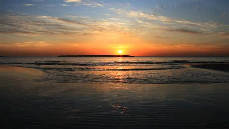 Wonderful Sunset Scenes Combined With Highly Relaxing