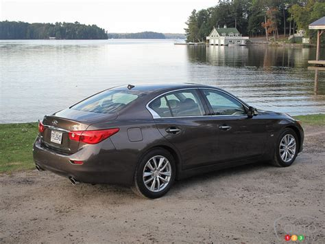 2014 Infiniti Q50 Hybrid Road Test Review