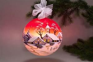 Weihnachtskugeln Glas Lauscha : beleuchtete glaskugel 18 cm mit winterlandschaft rot ~ A.2002-acura-tl-radio.info Haus und Dekorationen