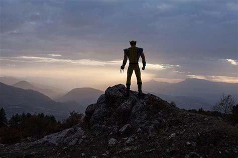 lonely superheroes captured  photographer gadgetsin