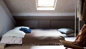 Chambre Sous Les Combles : installer une chambre sous les toits 9 photos pour am nager une chambre dans les combles ~ Melissatoandfro.com Idées de Décoration