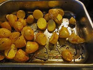 Essen Im Backofen Aufwärmen : knoblauch rosmarin kartoffeln von rauber ~ Markanthonyermac.com Haus und Dekorationen