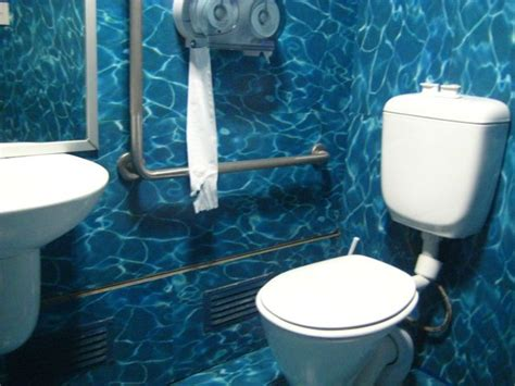 apartment theme ideas ocean themed bathroom decorating