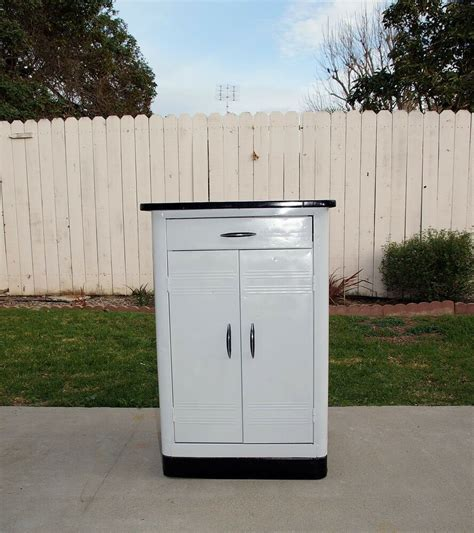 White Metal Kitchen Cabinets by Vintage 1950 S Deco Metal Kitchen Cabinet Porcelain
