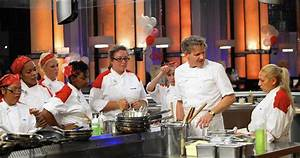Hell39s kitchen season 15 of fox series debuts in january for Furniture hell s kitchen