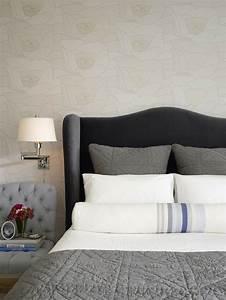 Graue Tapete Schlafzimmer : schlafzimmer grau 88 schlafzimmer mit deutlicher pr senz ~ Michelbontemps.com Haus und Dekorationen