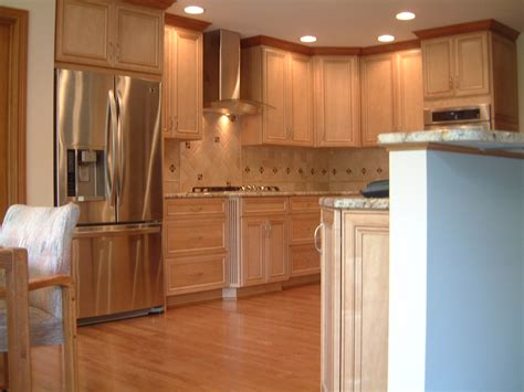 kitchen cabinet crown molding to cabinet crown molding stacked crown moulding image