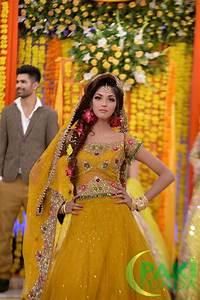 Bridal Hairstyles On Ghagra Tabu Lehenga Choli Zeenat Style Latest Pakistani Bridal Mehndi