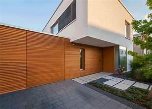 Garage Mit Holz Verkleiden : fl chenb ndige tore f r eine einheitliche optik ~ Watch28wear.com Haus und Dekorationen