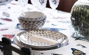 Tischdecken Für Draußen : tischdecke h scher stoff f r den gedeckten tisch ~ Frokenaadalensverden.com Haus und Dekorationen