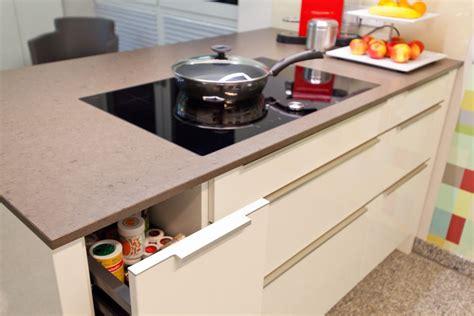 Bunte Arbeitsplatte Küche by Quarzstein Arbeitsplatten F 252 R Die K 252 Che K 252 Chenhaus Thiemann