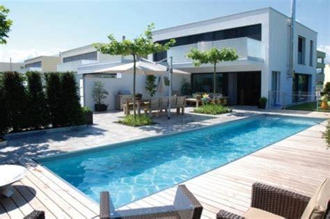 Haus Modern Mit Poolhaus Modern Mit Pool Beste Garten