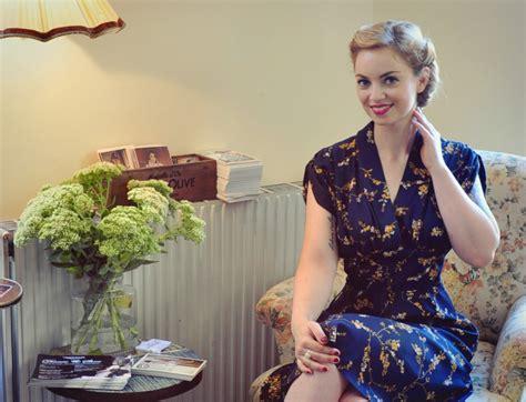 Die 50er Mode by 50er Jahre Mode Detailverliebt Und Stilvoll Aus Wien