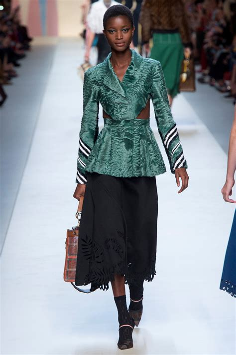 Fendi Spring 2018 Ready-to-Wear Collection - Vogue