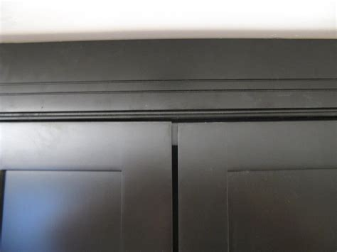How to Install and Level Cabinet Doors   how tos   DIY