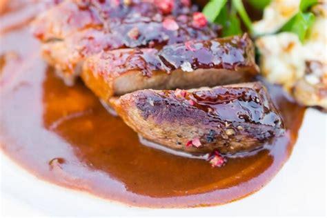 cuisiner magret canard recette de magret de canard au miel d 39 accacia et aux épices