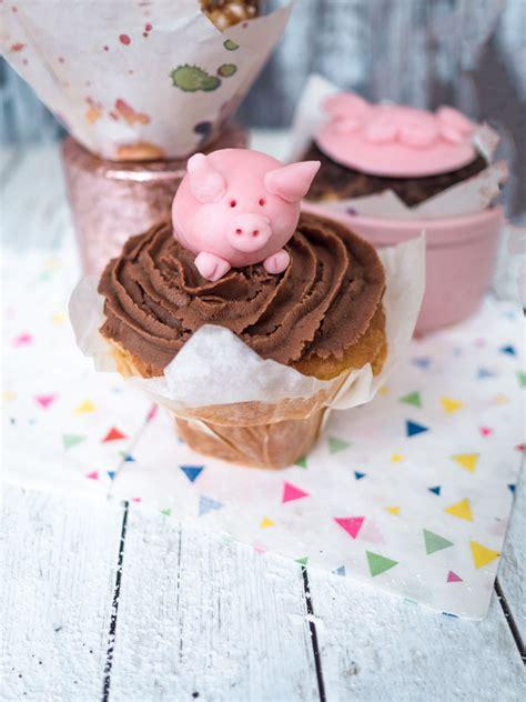 hooray schweinische schweine cupcakes mit schokoladen