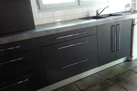 cuisine gris mat davaus cuisine gris anthracite mat et bois avec