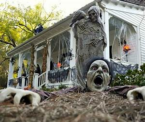 Diy Halloween Decor To Make Your House The Spookiest On