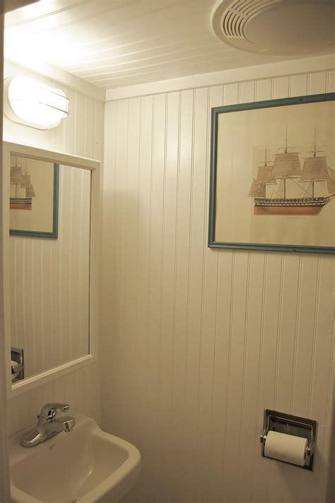 Beadboard Paneling Bathroom by Floor To Ceiling Beadboard Small But Tidy