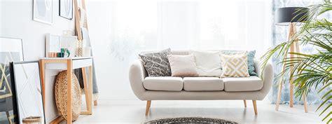 Helles Ledersofa Reinigen by Sofa Reinigen Ein Modernes Helles Sofa F 252 R Zwei Personen