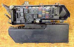 01 02 03 04 Volvo S60 Under Hood Fuse Relay Junction Box T