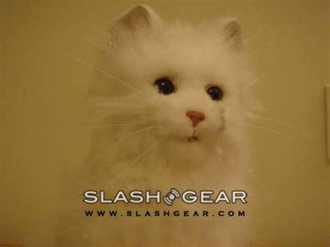 slashgear review yume neko smile sega toys robot cat