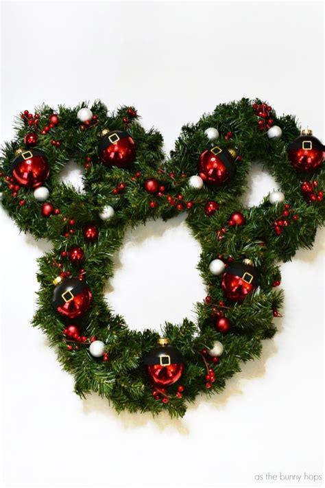 santa mickey christmas wreath   bunny hops