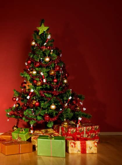 christmas tree ideas for your apartment apartment