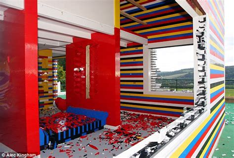La Maison Des Lego by Lego House Knocked After No One Came Forward To Save It Daily Mail