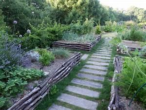 Allée De Jardin Pas Cher : une jolie all e pour traverser mon jardin ~ Carolinahurricanesstore.com Idées de Décoration