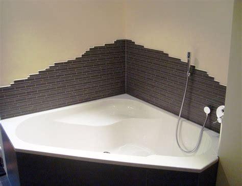 Badezimmer Mosaik Streifen by Mosaik Badewanne
