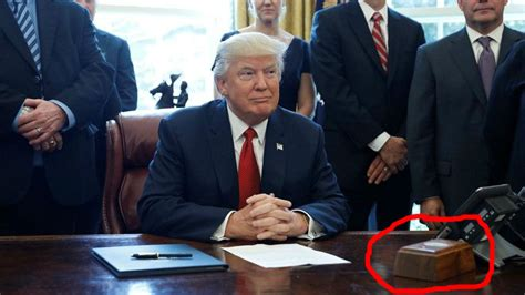 what desk is trump using trump who is president has a button on his desk strictly