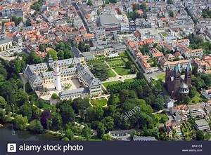 My Bad Deutsch : palace of bad homburg with erloeserkirche germany hesse bad stock photo 31436415 alamy ~ Orissabook.com Haus und Dekorationen