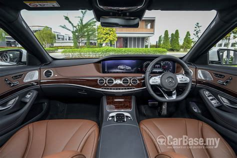 mercedes benz  class  facelift  interior image