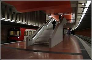 U Bahn Fürth : zugzielanzeiger der u bahn n rnberg linie u1 nach f rth hardh he n rnberg am 23 juni 2013 ~ Eleganceandgraceweddings.com Haus und Dekorationen