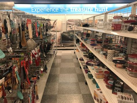Tj Maxx And Ross Stores Compared, Pictures, Details