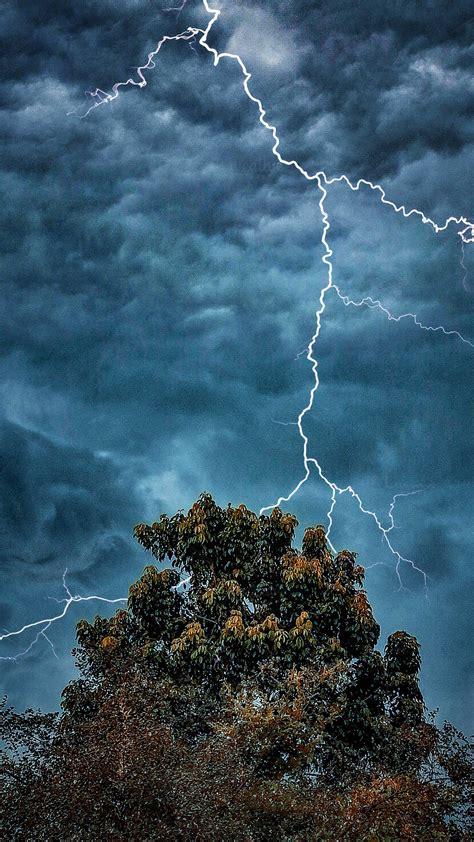 extreme weather dark clouds lightning   ultra hd