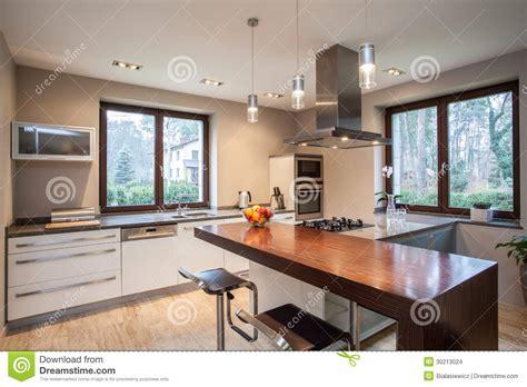 travertin cuisine cuisine de maison de travertin images stock image 30213024