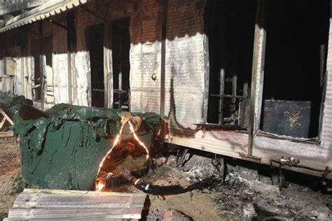 australian immigration bureau riot damage at nauru detention centre abc