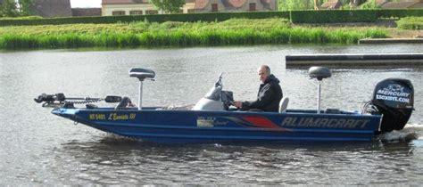 si鑒e pour barque de peche quelle barque pour pêcher en rivière ma canne a peche mcap