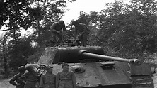 United States soldiers inspect captured Mark V panther ...
