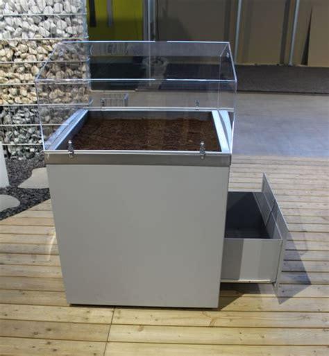 möbel aus metall hochbeet auf rollen hochbeet holz graubraun 46 50x70 cm mit rollen fasertuch hochbeet auf r