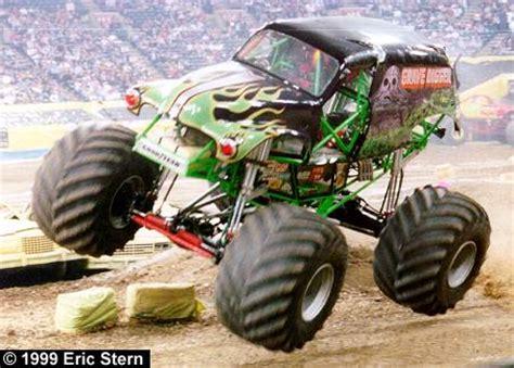 monster trucks grave digger bad to the bone monster jam 2012 from near to far