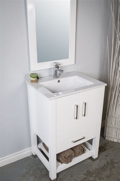 Backsplash Tile For Bathrooms by 24 Inch Bathroom Vanity Bathroom Traditional With Bathroom