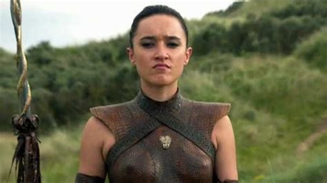 new zealand actress in game of thrones first look at keisha castle hughes in game of thrones 1