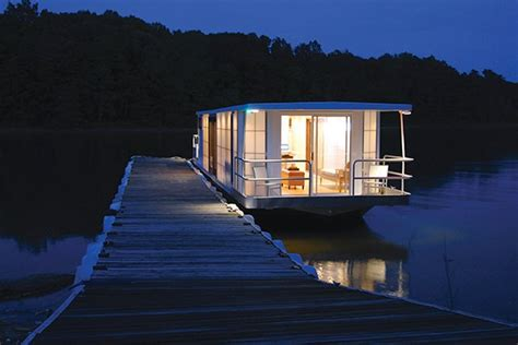 Decorating Magazines Online Free by A Houseboat For Urban Living Boatus Magazine