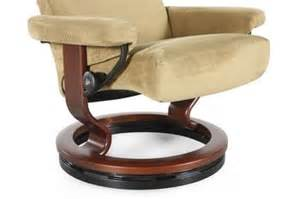 stressless small chair elevator ring mathis brothers